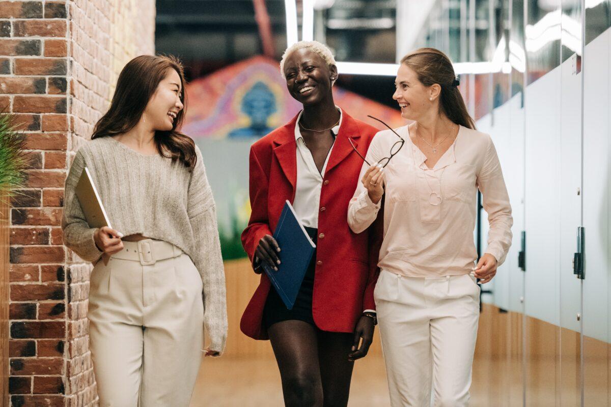 Prérequis pour un lieu de travail égalitaire, sûr et inclusif